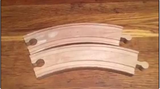 這段「兒童玩具鐵軌變形」影片已經把很多人搞瘋了,你能解釋為什麼會這樣嗎?