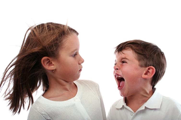 弟弟妹妹靠邊站,科學家指出這5個原因就是為什麼「老大才是家裡最優秀的」!包括IQ都高出...