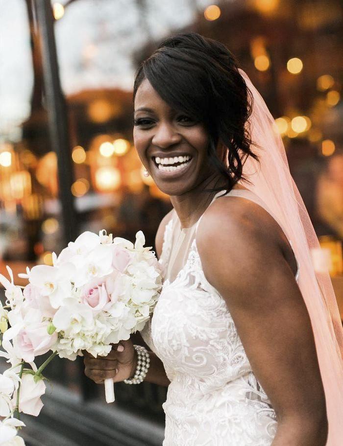 小女孩以為新娘是「故事書裡面的公主」超興奮,「意料之外的展開」感動了所有人...