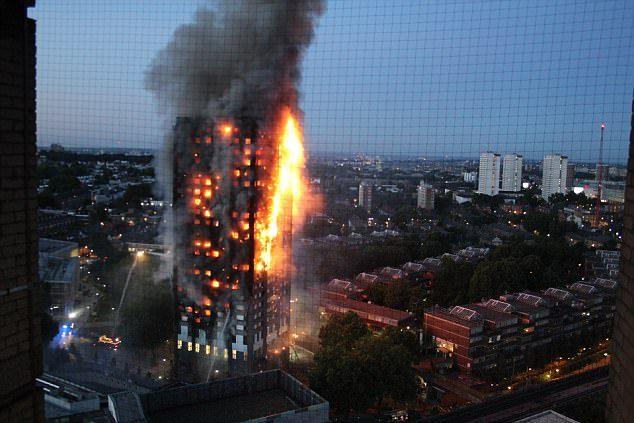 倫敦大火「16歲倖存女學生」帶筆記逃生,逃完後立刻淡定「穿睡衣去學校考試」網爆紅!