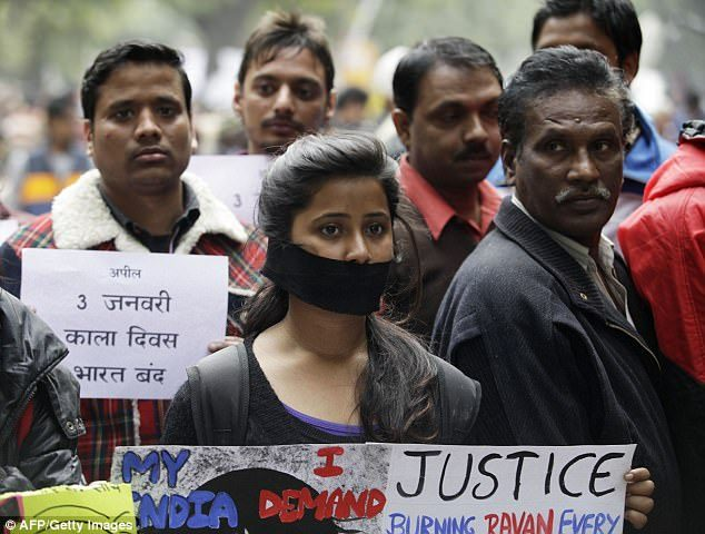 印度女遭2男輪姦,被警察威脅「必須滿足我」二次強暴! 偷錄音揭惡行「因為聲音」色警無罪!