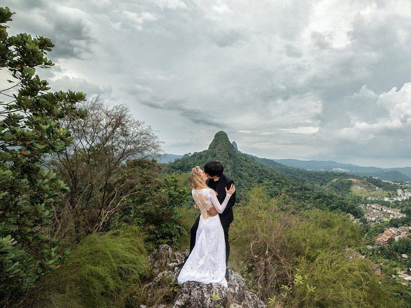 婚照不求人「只花3萬」!攝影師跟老婆到11個不同國家拍「史詩級婚照」美到窒息!