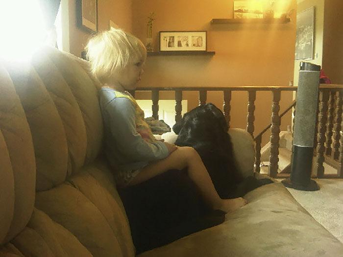 她奉勸姐姐生小孩後「千萬不要養狗」,但她「沒有理會」結果...