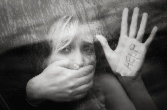 9歲女遭母男友性侵6年,媽媽「瞄準她子宮暴打」:原諒叔叔