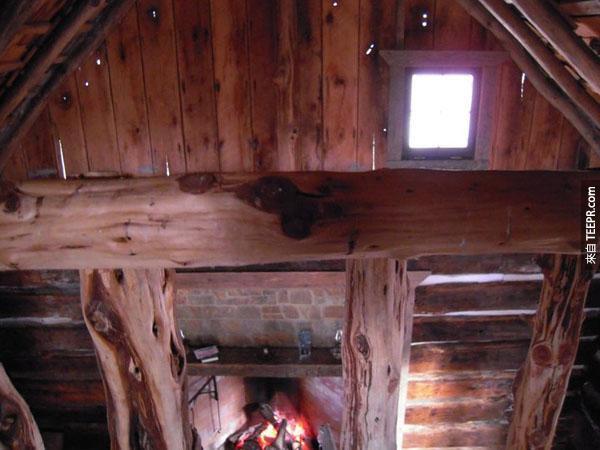 這名退休的數學家找到了一棟1830年就荒廢的木屋。接下來奇蹟發生了!