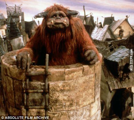 這是他在1986年的電影Labyrinth 製作的怪物Ludo。