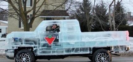 這台卡車雖然只能在冬天開,但是當你看到的時候,你也一定會想要一台。酷!