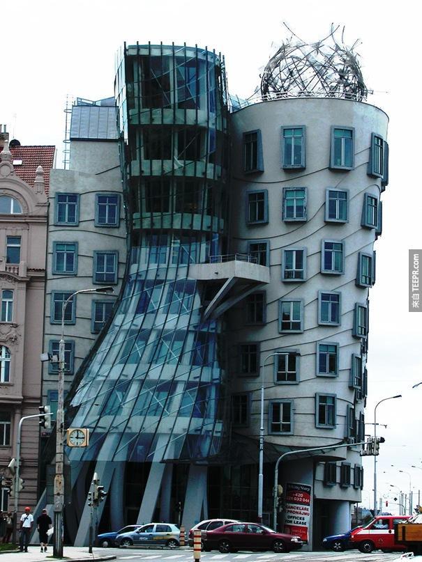 這50棟就是全世界公認長得最奇怪的建築。#21好眼熟喔,好像哪裡見過...