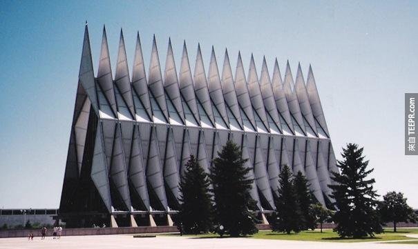 32. 空軍學院禮拜堂(科羅拉多州,美國)