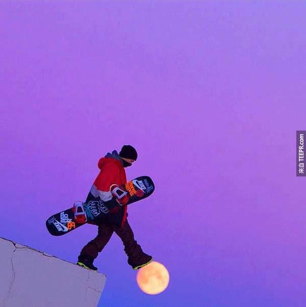 34.) 嗯,這樣踏在月球上就沒事了。