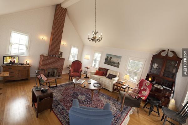 其實,這個大樓非常的牢固,而且室內裝潢還非常的漂亮呢!