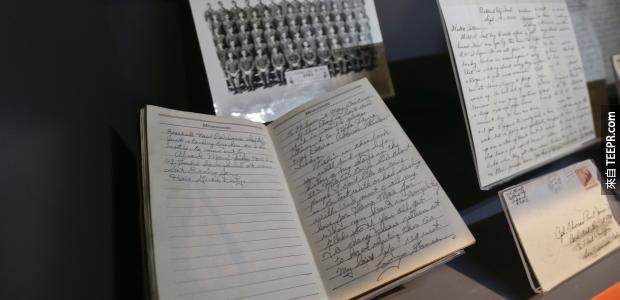 90歲老太太找到了一本在戰爭中死掉的初戀情人給她的日記。