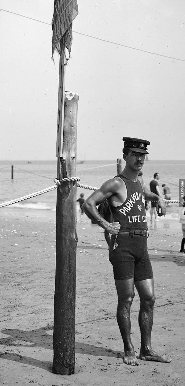 海邊的救生員 - 1920