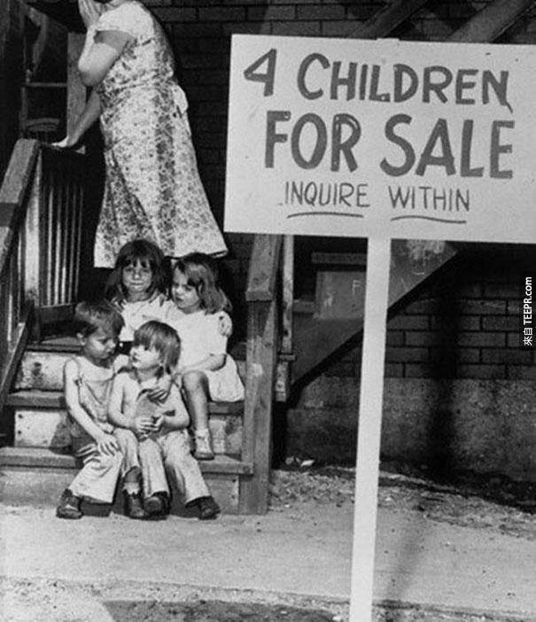 感到羞恥的母親因貧窮而需要販售她的孩子 - 芝加哥 1948
