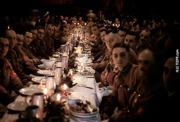 希特勒和他的軍官慶祝聖誕節 - 1941