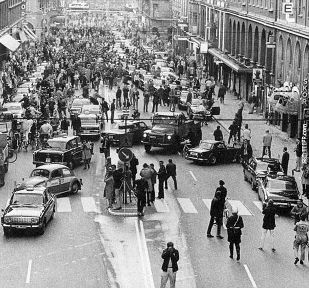 瑞典把行車方向從左邊改到右邊的第一個早上 - 1967