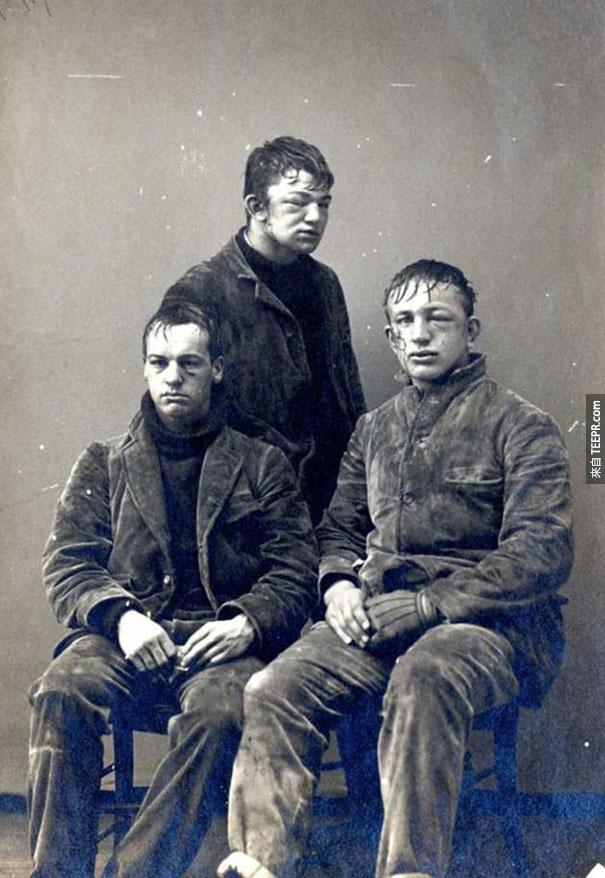 普林斯頓的學生在打完雪球戰之後的照片 - 1893