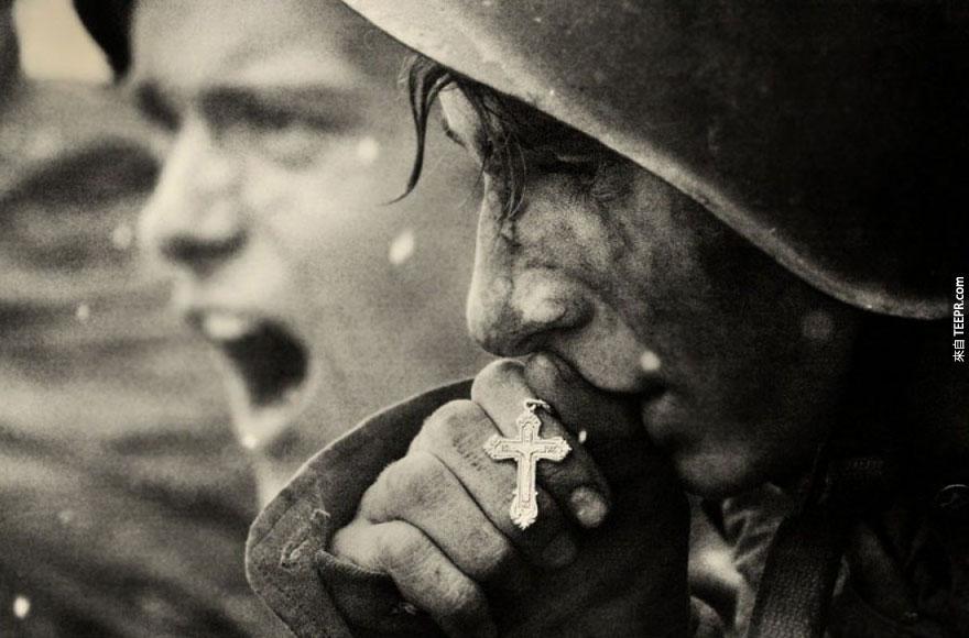 21張歷史裡最具震撼力的照片。看過後對世界的看法改變了!