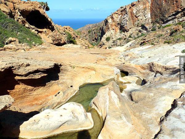 Socotra岛上的天气感觉像是一个热带沙漠跟半沙漠的混合体。