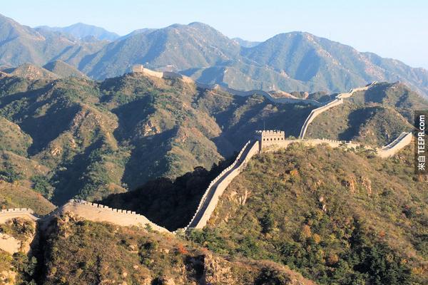 30.) 萬里長城不是唯一可以從太空看到的人造建築物。
