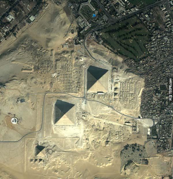 23)吉薩金字塔(埃及)
