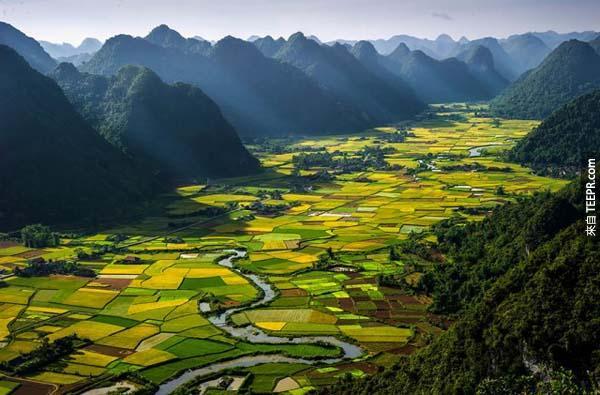 24)北山谷(越南)