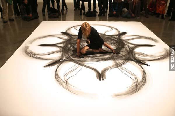 海瑟跟她藝術的連接分常的深。