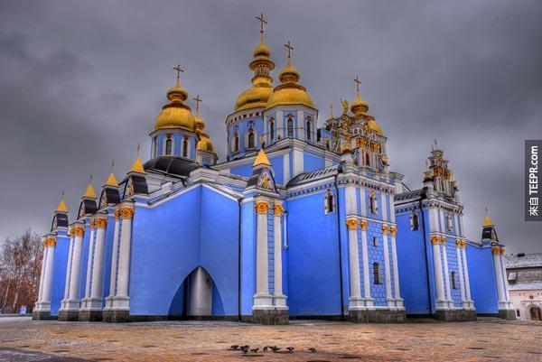 22. 聖邁克爾金圓頂寺 St. Michael's Golden-Domed Monastery (基輔,烏克蘭)