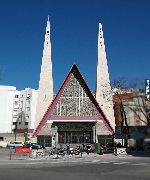 26. A教堂 Church with an A (馬德里,西班牙)