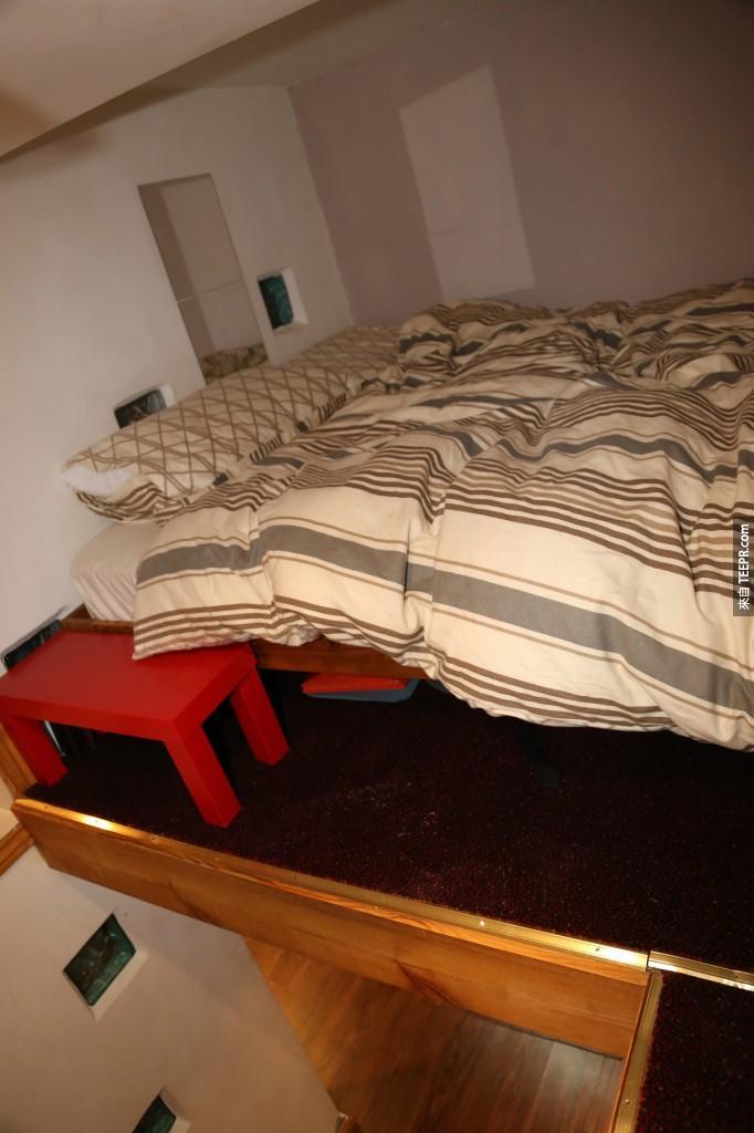 臥室在樓層加蓋的二樓。