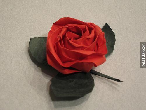 13. 紙玫瑰