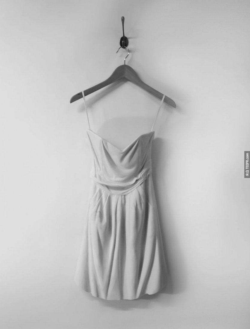 你一定不敢相信這些超輕巧的連衣裙是用什麼材料做的。真的是太不可思議了!
