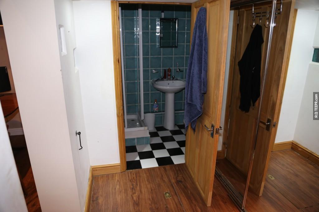 挺有復古風格的廁所。