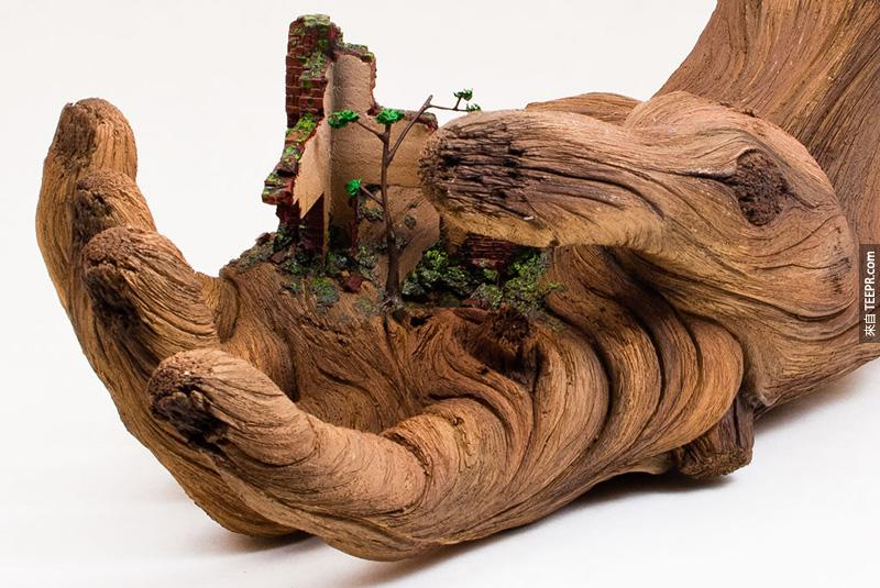 我一開始看的時候還以為是木雕刻,但是近看的時候才大吃一驚。