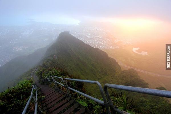 11.) 俳句瓦胡島的樓梯(夏威夷)