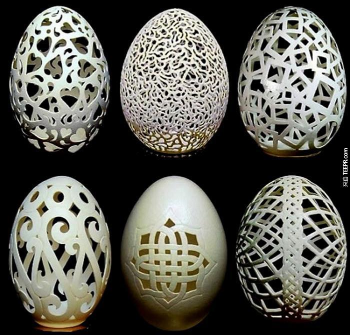這是一些他的蛋殼藝術。
