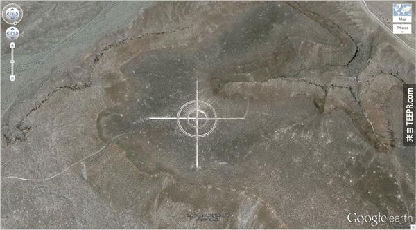 12.) 沙漠裡超大型得標靶 (37.563936, -116.85123) 美國內華達州