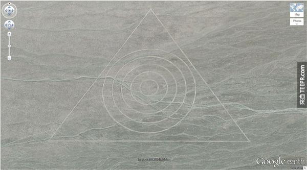 17.) 沙裡奇怪的圖形 (37.629562, -116.849556) 美國內華達州
