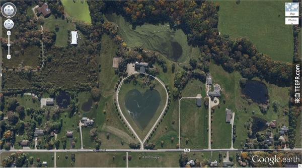10.) 這個心形湖 (1.303921, -81.901693) 哥倫比亞站,俄亥俄,美國