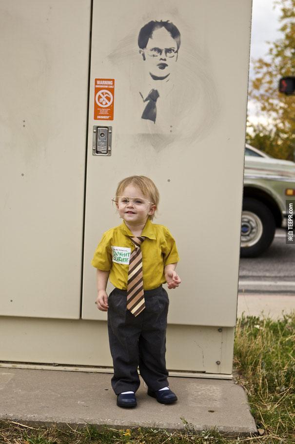 3. 知名連續劇辦公室 (The Office) 裡的 Dwight Schrute。