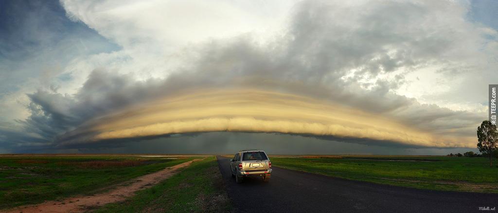 一個快速逼近的風暴 (約克角,澳大利亞)。