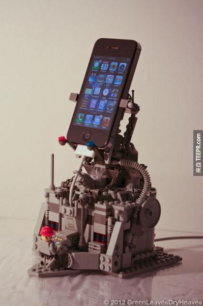 看起來超前衛的手機充電底座。