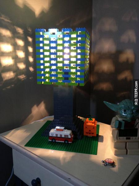 13. 孩子房間的漂亮檯燈。