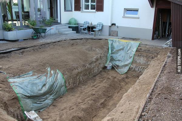 完成挖土程序了。