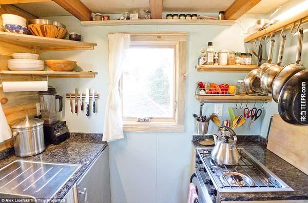 而且還有一個超棒的廚房!