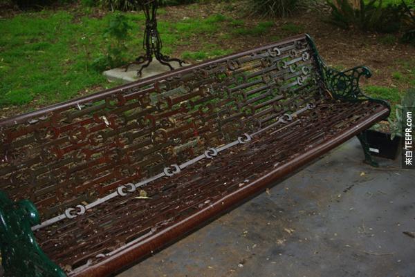 這個人把這些破銅爛鐵變成價值連城的東西。太誇張了!