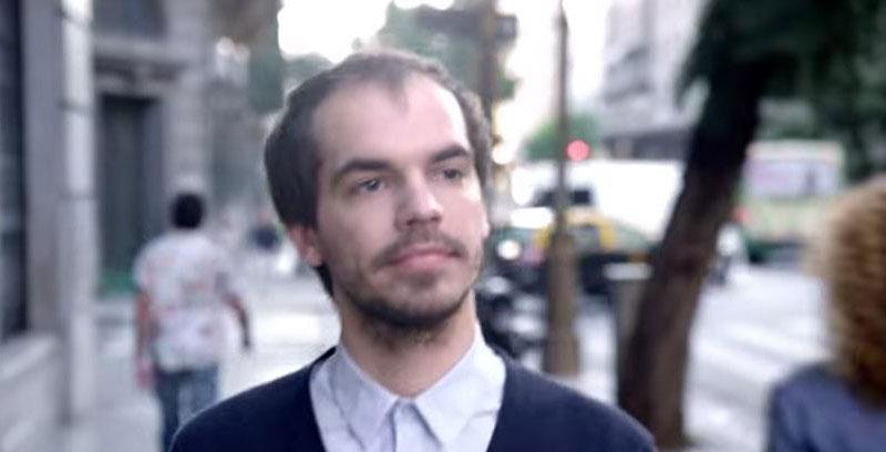 剛開始看就只是一名男子走在街上,但是過了15秒之後我才發現到我正在看全世界最棒的短片。文內還暗藏驚喜喔!