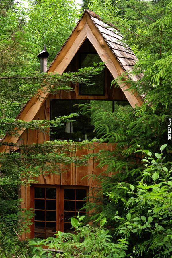 这就是位在俄勒冈州树林里的日式木屋。