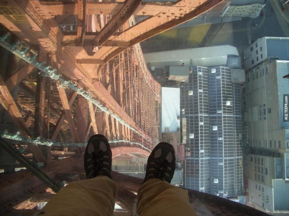 18個全世界從高處往下看最恐怖的地方。如果你有懼高症,不要勉強自己。
