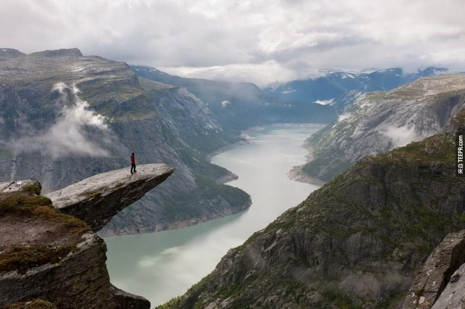 Trolltunga 懸崖 (挪威)